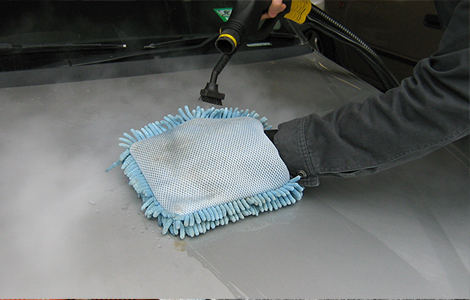 Car Duco steam cleaning with microfibre