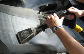 Three tips for spring clean your car with steam vapour
